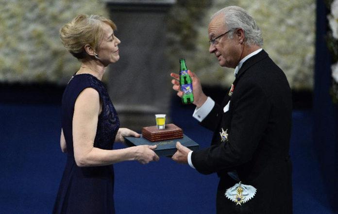 """Entregan el Premio Nobel de Química al inventor del """"Machacado"""""""
