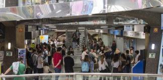 Avanza Zaragoza pondrácamas para aquellos que siguen esperando para renovar sus abonos de transporte
