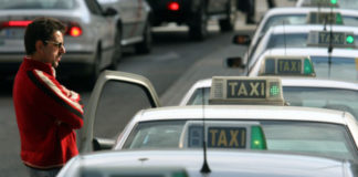 Un taxista decepcionado con su hijo al decirle que de mayor quiere ser conductor de Uber