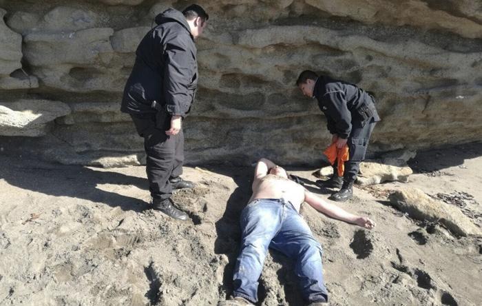 Encuentran a un inglés borracho varado en la playa de Salou