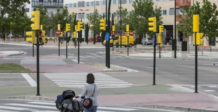 Zaragoza ya cuenta con más semáforos que personas