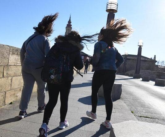 """""""Cierzo challenge"""", el reto viral que triunfa entre los habitantes de Zaragoza"""