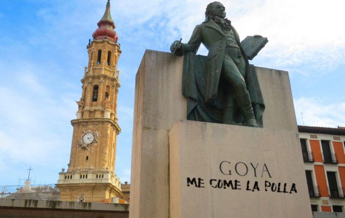 Denuncian una pintada en el monumento a Goya que reza: