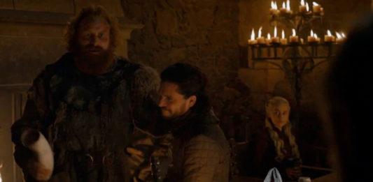 Tras la aparición del vaso de Starbucks en el último capítulo de Juego de Tronos, descubren que también se coló una bolsa del Martín, Martín