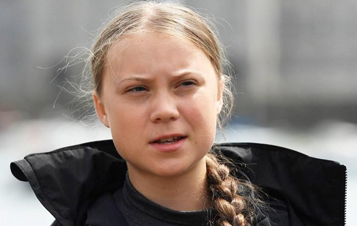 Greta Thunberg, tras su paso por Zaragoza, denuncia el mal olor de La Montañanesa