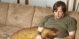 Cocina una torrija gigante para hacerle compañía