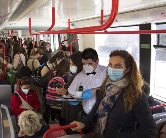 Hosteleros trasladarán sus locales al interior del tranvía para poder servir sin límite de aforo