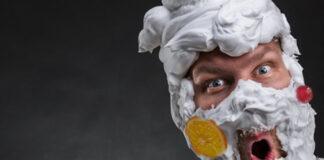Buscan a un hombre recubierto de nata y fruta escarchada que asegura ser San Valero