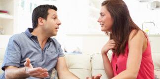 Amante de las torrijas pide a su pareja que se embadurne en leche, azúcar y canela