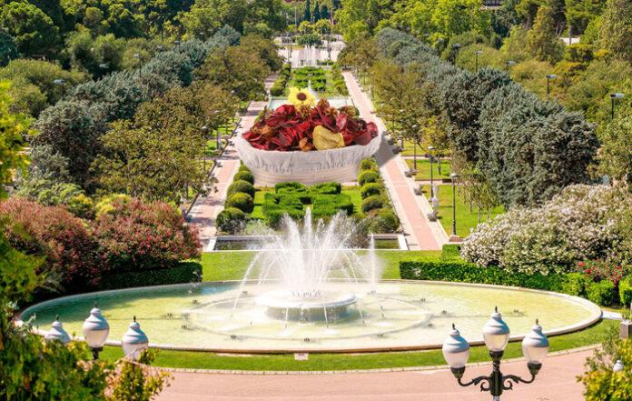 Una vez finalizado el ZGZ Florece, el Parque Grande alberga el bol de popurrí más grande de Europa