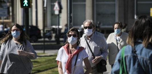 Los habitantes de Zaragoza no saben ahora si quejarse del cierzo o del calor