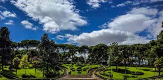 Miles de zaragozanos se trasladan al Jardín de Invierno para sobrellevar las altas temperaturas